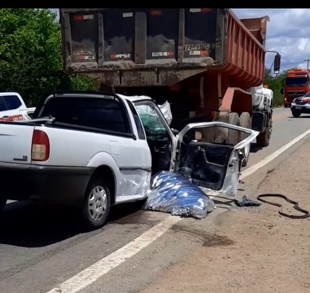 IMG_20201203_120634 Colisão entre veículos deixa uma vítima fatal na BR-110 em Monteiro