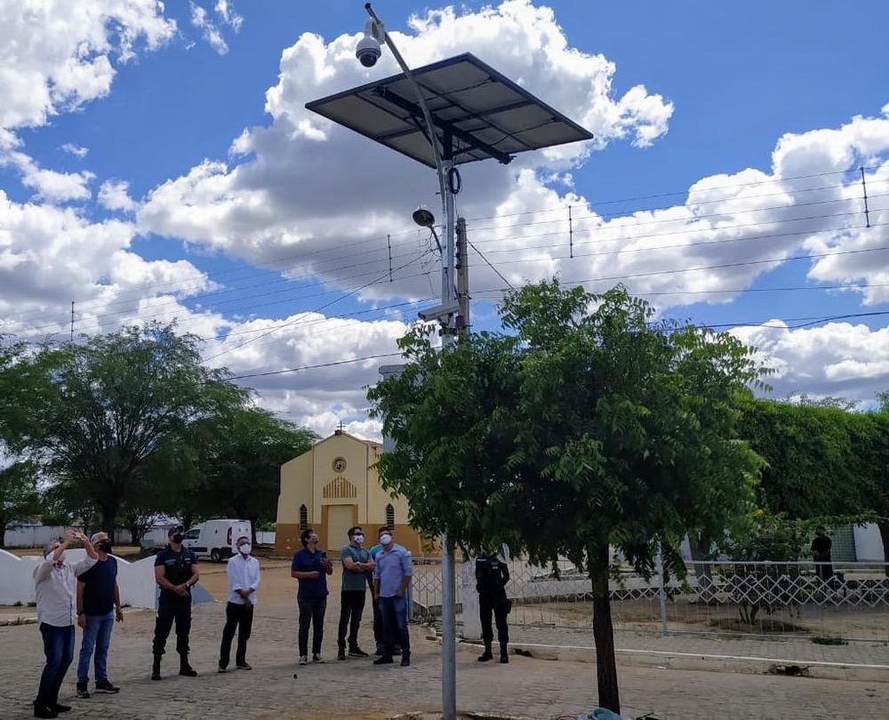 demonstracao-2 Sertânia é a 1ª cidade de Pernambuco a usar energia solar nas câmeras de segurança