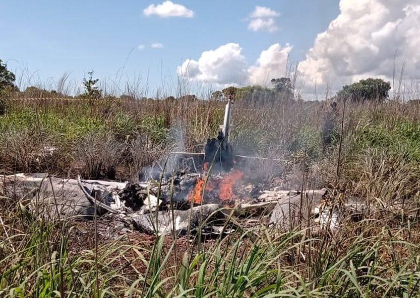 Aviao-e1611502888916 Avião com presidente e jogadores do Palmas Futebol e Regatas cai logo após decolar; 6 pessoas morreram