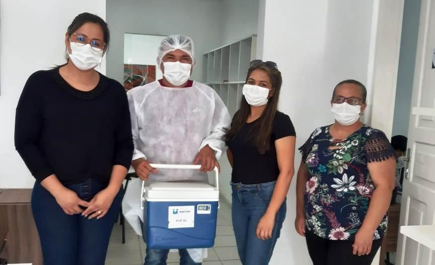 Equipe-Vacina-Covid-domicilio Secretaria de Saúde de Monteiro inicia cronograma de vacinação para idosos acamadosacima de 80 anos