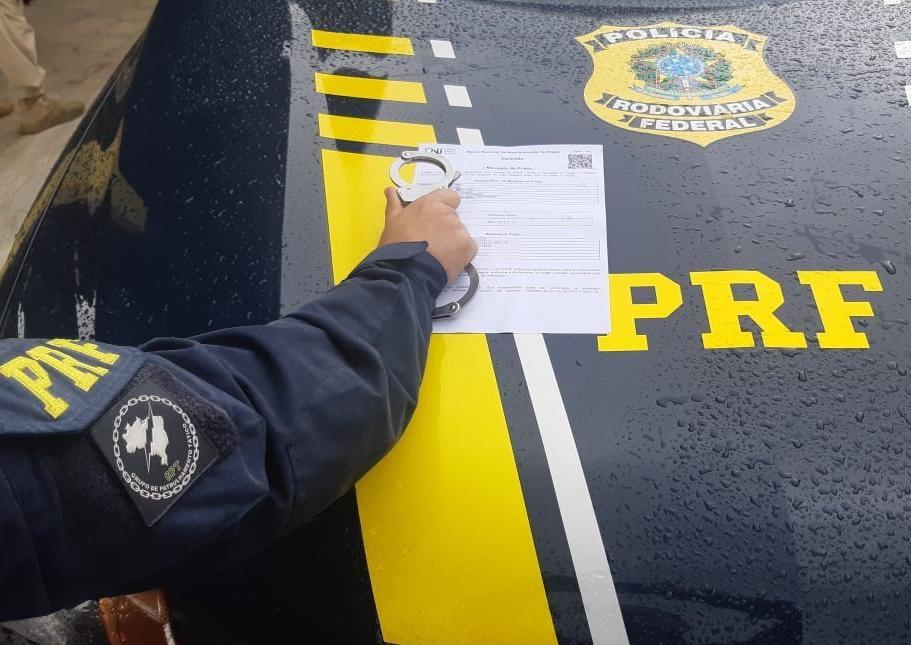 PRF-PB Exclusivo: Foragido da justiça é preso pela PRF em Monteiro