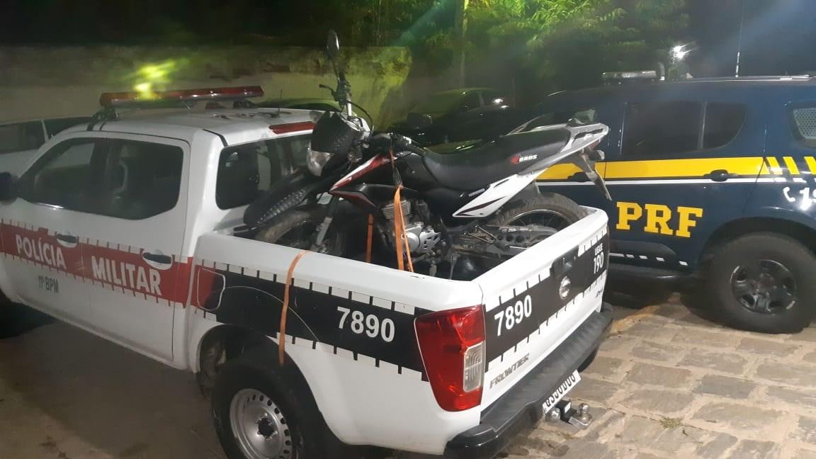 pm-pb-e-prf Ação conjunta entre PRF e PM da Paraíba recupera motocicleta roubada que circulava em Sumé