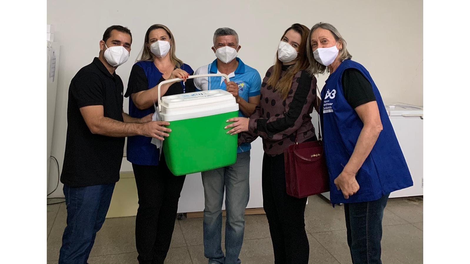 vacinacao-covid-zabele.jpg1_ Técnica de enfermagem é a primeira pessoa vacinada contra o coronavírus em Zabelê