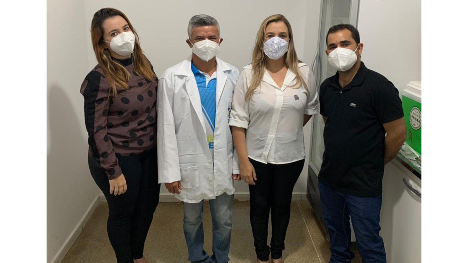vacinacao-covid-zabele.jpg2_ Técnica de enfermagem é a primeira pessoa vacinada contra o coronavírus em Zabelê