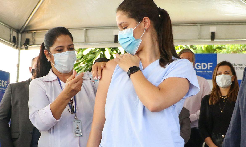 vacinacao_contra_covid_19_distrito_federal190120212204 Mais de três mil trabalhadores da saúde já foram vacinados contra Covid-19 em João Pessoa