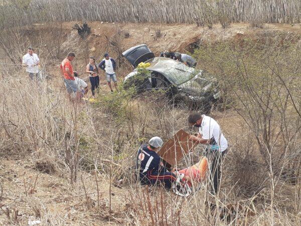 146893997_325732785512205_7015718287082579948_n-600x450-1 Monteirense se envolve em colisão frontal entre veículos, quatro pessoas ficam feridas na BR-412