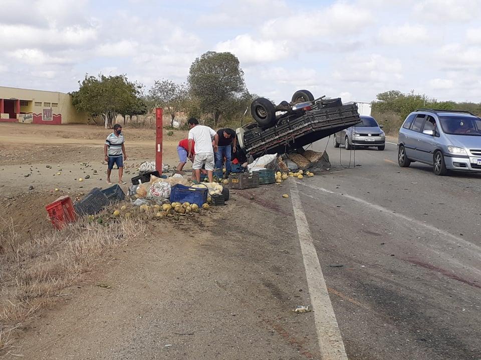 149055763_248356616820113_8206895643519643591_n Monteirense se envolve em colisão frontal entre veículos, quatro pessoas ficam feridas na BR-412