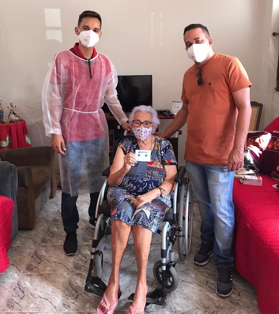 FOTO-DE-CAPA-Imunizacao-idosos-acamados-Monteiro-PB-3-e1613057464578 Secretaria de Saúde de Monteiro cumpre meta de vacinação contra covid-19 para idosos acamados acima de 80 anos