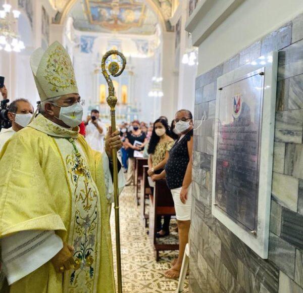 MONTEIRO-600x580-1 Bispo de Campina Grande celebra Missa da Dedicação do Altar da Igreja Matriz em Monteiro