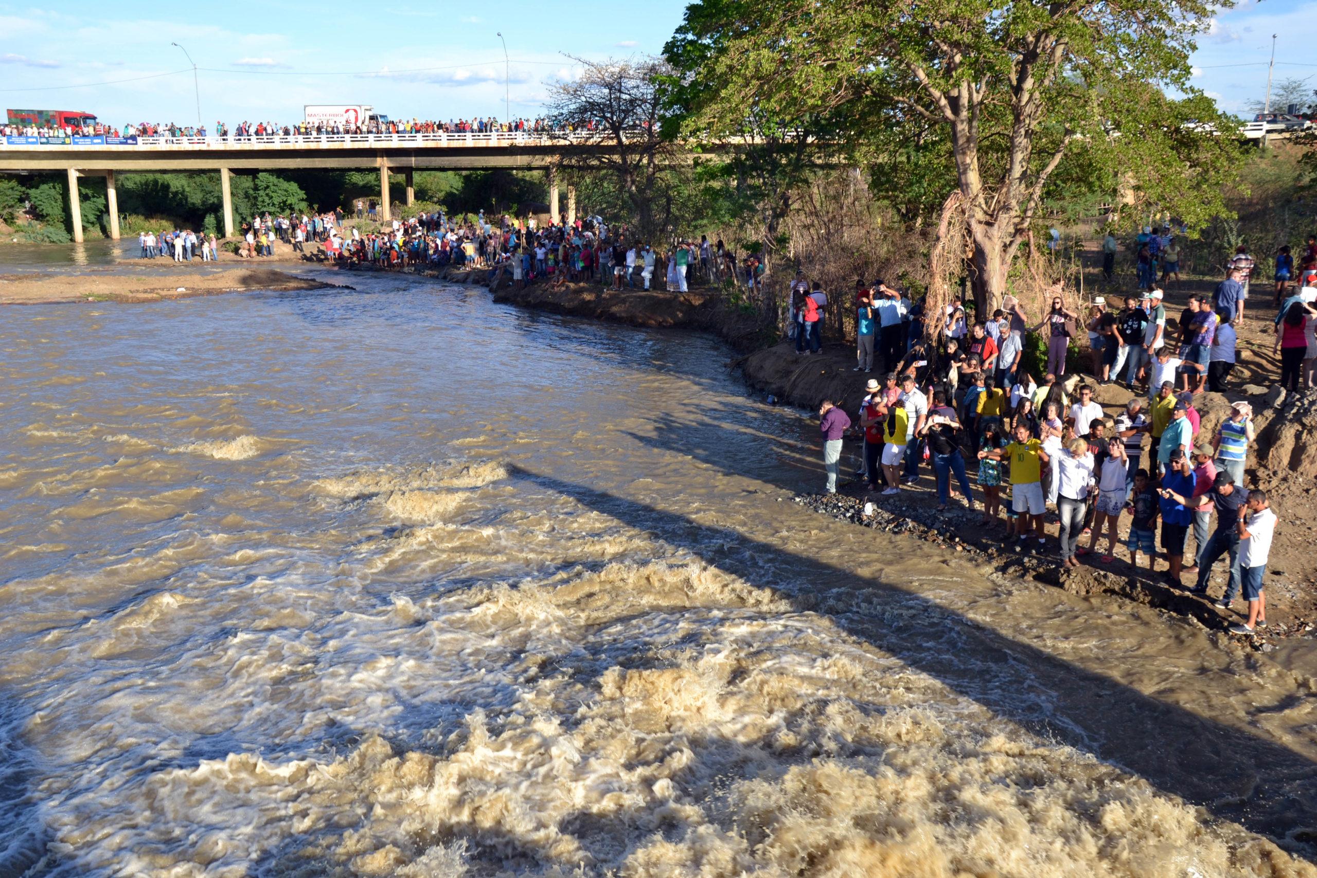 Transposicao-scaled Prefeita Anna Lorena comemora retorno das águas do São Francisco e convida presidente da Codevasf para visitar Monteiro