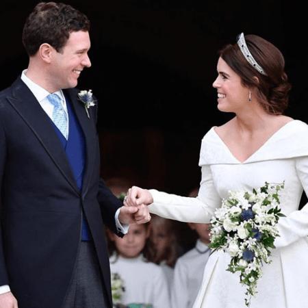 princesa-eugenie-e-o-marido-em-seu-casamento-em-outubro-de-2018-1601037580706_v2_450x450 Neta da rainha Elizabeth 2ª, princesa Eugenie dá à luz seu primeiro filho
