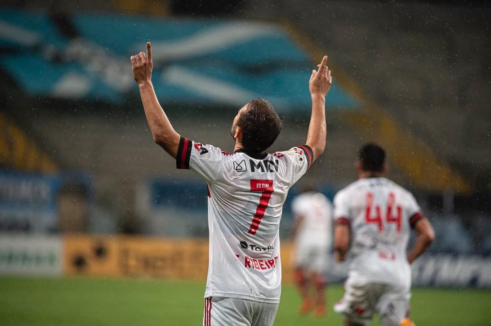 whatsapp-image-2021-01-29-at-03.21.16 Reta final: com gol e assistências, Everton Ribeiro cresce junto com Flamengo nos últimos três jogos
