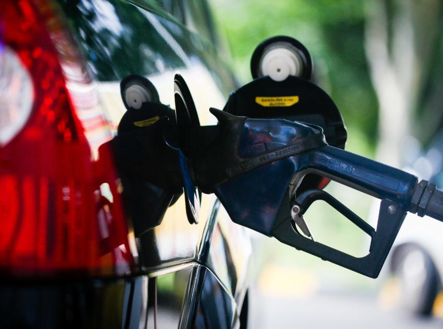 gasolina-combustivel-868x644-1-868x644-1 Câmara aprova texto-base que altera cálculo do ICMS sobre os combustíveis