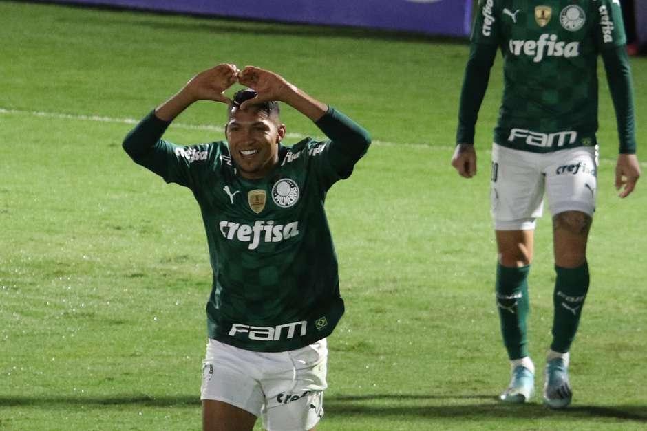 palmeiras Palmeiras vence o Bragantino e está na semi do Paulistão