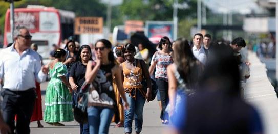 mulheres Governo cancela feriado de São João e flexibiliza atividades econômicas na Paraíba. Veja o que muda