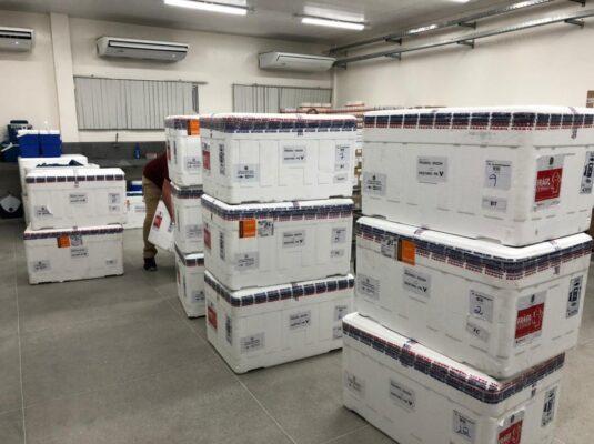 072b50fc-06e4-4513-b484-dbb668036c49-535x400 Paraíba receberá mais de 168 mil doses de vacinas contra Covid-19 na terça e quarta-feira