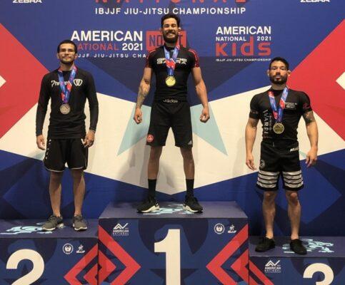71fd47fa89b34d41c6aa90696b99cbe1-483x400 Atleta paraibano vence campeonato de Jiu Jitsu nos Estados Unidos