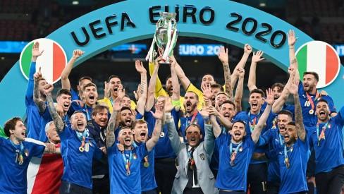 93857838_soccer-footballeuro-2020finalitaly-v-englandwembley-stadium-london-britainju Itália vence Inglaterra nos pênaltis e conquista a Eurocopa