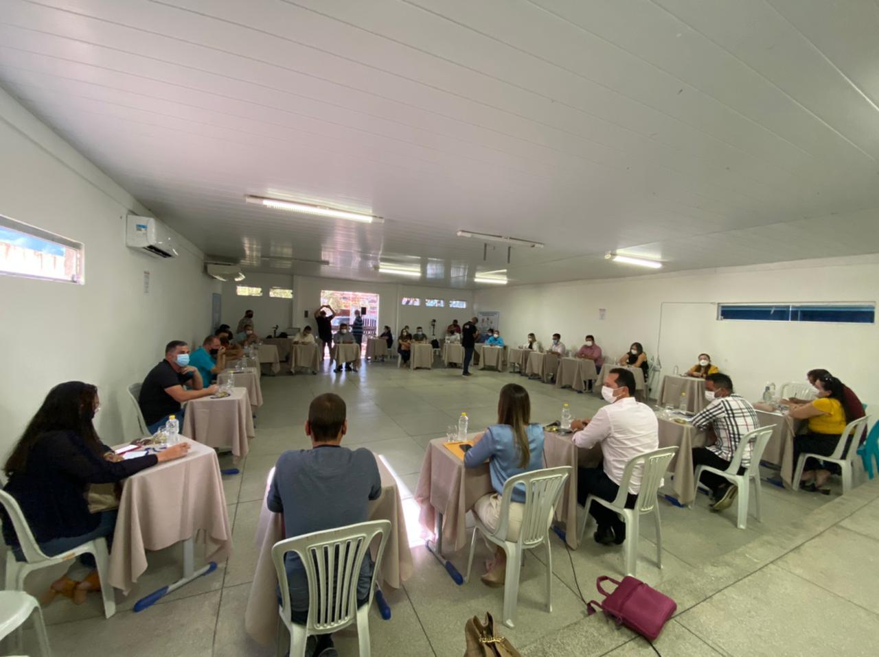 CISCO-3 Anna Lorena recepciona Consórcio Intermunicipal de Saúde do Cariri em reunião com prefeitos da região