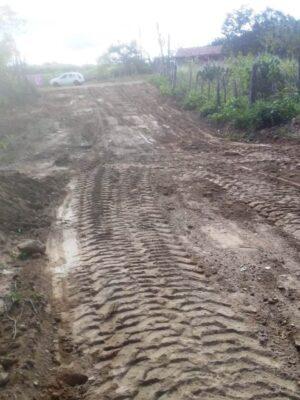 Reparo-de-Estradas-300x400 Secretaria de Agricultura de Monteiro realiza atendimentos como recuperação de estradas e silagem