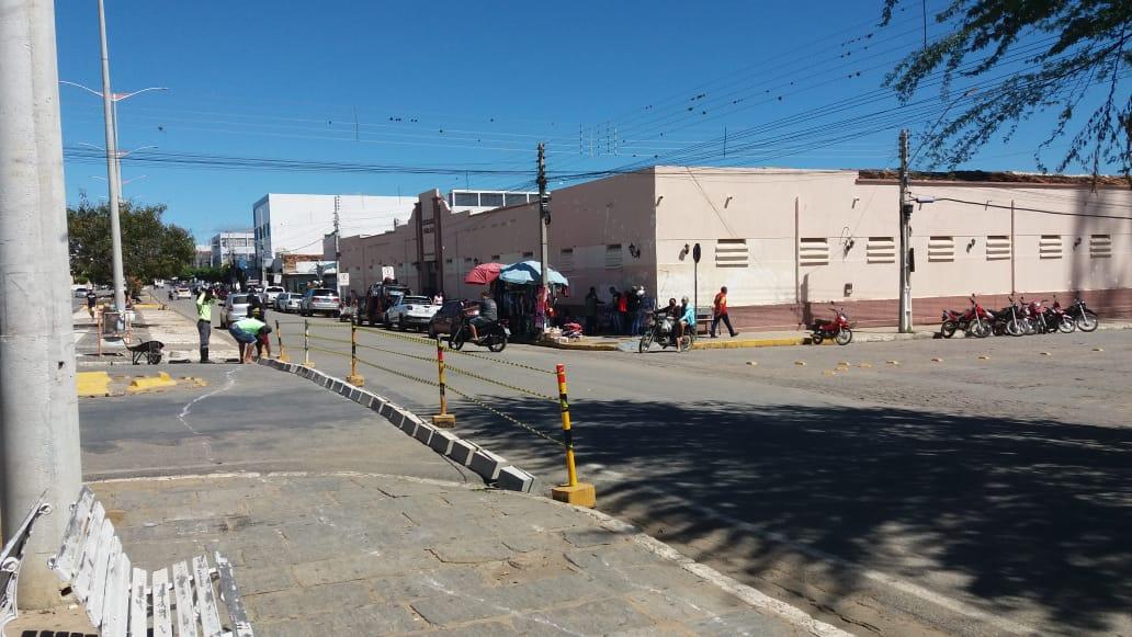 Transito-Centro-2 TRÂNSITO: MONTRAN realiza mudanças e adequações em ruas de Monteiro