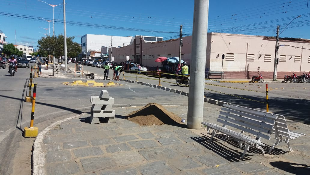 Transito-Centro-3 TRÂNSITO: MONTRAN realiza mudanças e adequações em ruas de Monteiro