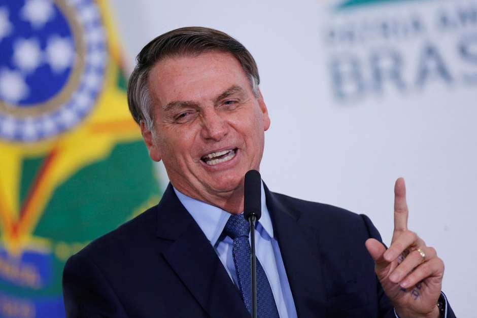 """bolsonaro01 Bolsonaro diz que não vai responder carta de CPI: """"Caguei"""""""