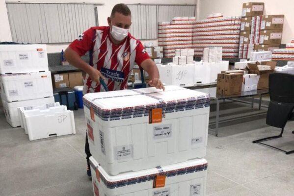 coronavac_vacinas-1-599x400 Paraíba tem dois lotes de CoronaVac suspensos pela Anvisa e Secretaria de Saúde orienta reservar doses até segunda ordem da Agência