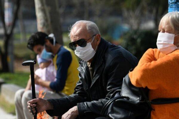 coronavirus-grecia-idoso-mascara-10032020164912821-600x400 Paraíba registra queda no número dos óbitos de idosos por Covid-19