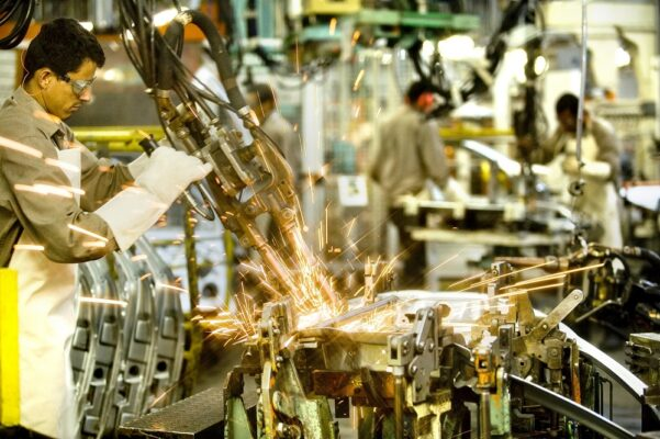 industrias-601x400 Brasil perde quase 30 mil indústrias desde 2013
