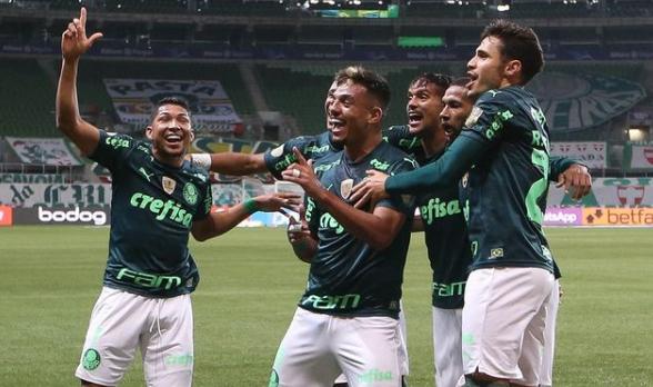 palmeiras-x-gremio-gols-1 Palmeiras vence, assume liderança do Brasileirão e mantém Grêmio na lanterna