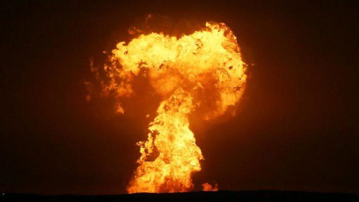 vulcao-de-lama-entra-em-erupcao-no-mar-caspio-na-costa-do-azerbaijao-700x394 'Vulcão de lama' causou explosão no Mar Cáspio, diz estatal