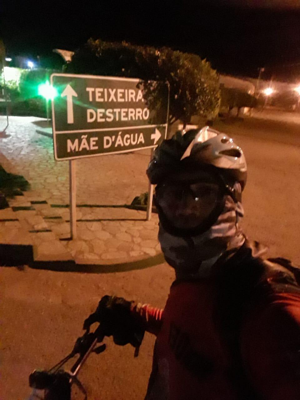 z1-1 Por saudades da Mãe, Monteirense faz percurso de mais de 130 quilômetros de Patos a Monteiro de Bike após vacinação