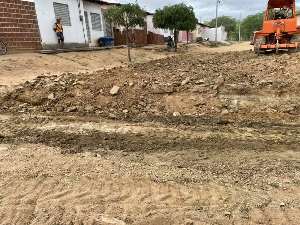 z2-1 Prefeito de São João do Tigre visita obras e destaca mais de 310 mil em investimentos no município