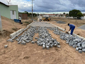 1-1-1 Gestão de São João do Tigre acelera pavimentação e implantação de rede de esgoto e distribuição de água do conjunto José Raimundo Barbosa