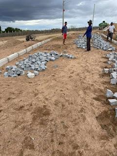 1.3 Gestão de São João do Tigre acelera pavimentação e implantação de rede de esgoto e distribuição de água do conjunto José Raimundo Barbosa
