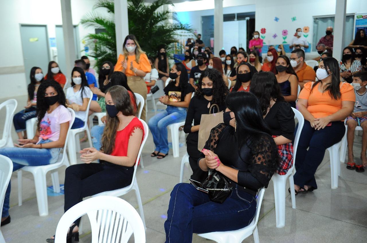 Cursos_Mes-da-Juventude-1 Prefeita Anna Lorena participa da entrega dos certificados dos cursos oferecidos no Mês da Juventude