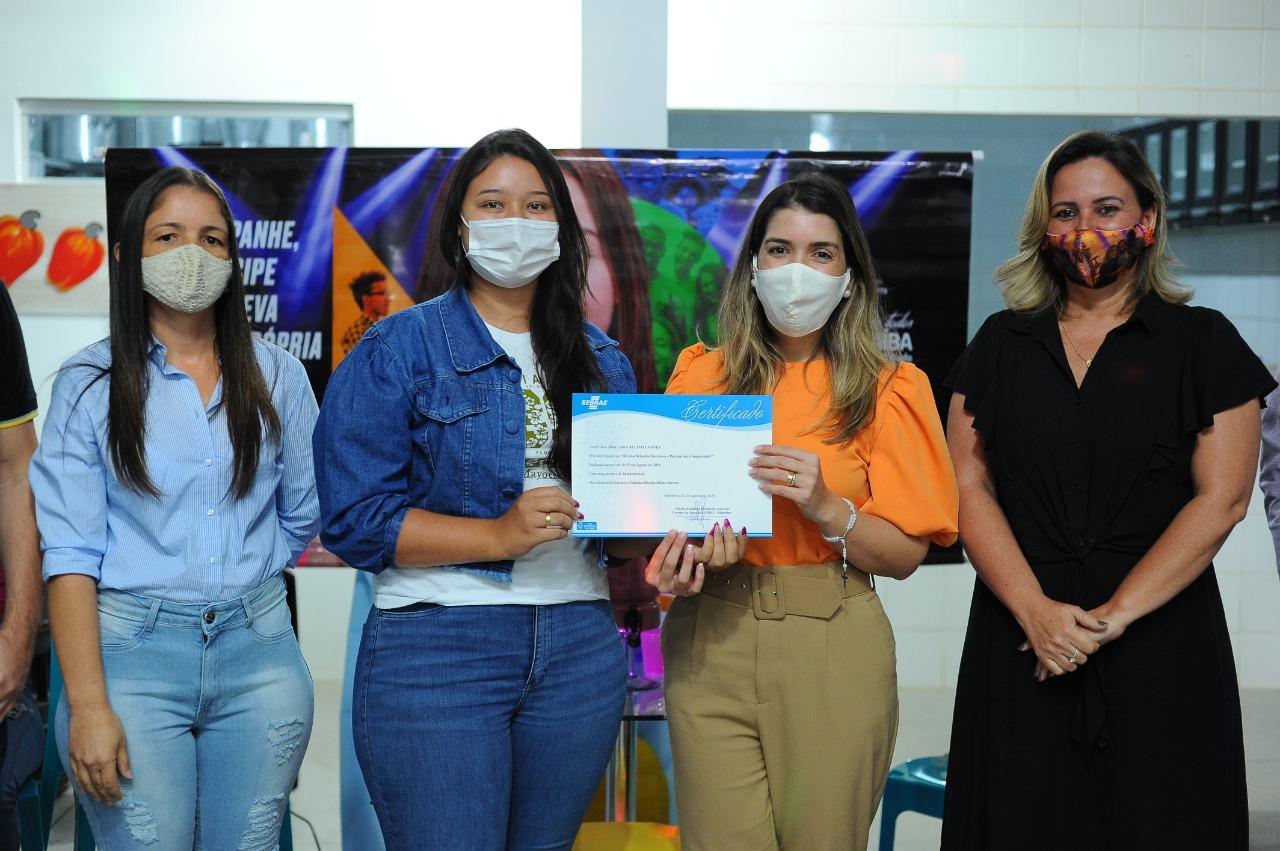 Cursos_Mes-da-Juventude-10 Prefeita Anna Lorena participa da entrega dos certificados dos cursos oferecidos no Mês da Juventude