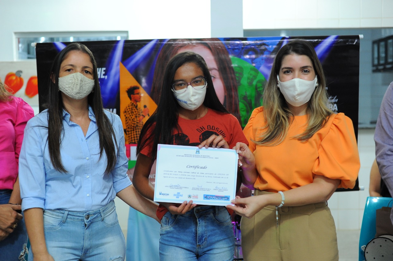 Cursos_Mes-da-Juventude-2 Prefeita Anna Lorena participa da entrega dos certificados dos cursos oferecidos no Mês da Juventude