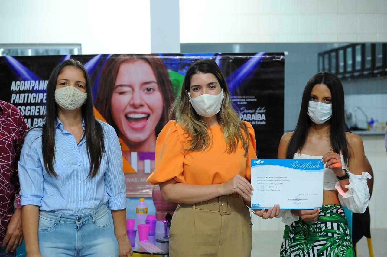 Cursos_Mes-da-Juventude-7 Prefeita Anna Lorena participa da entrega dos certificados dos cursos oferecidos no Mês da Juventude
