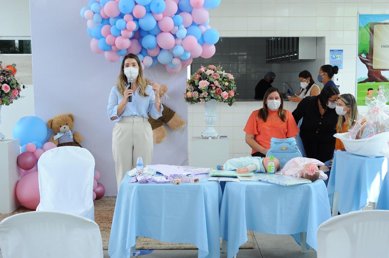 EM-MONTEIRO-PROGRAMA-CUIDADO-DE-MAE-ENTREGA-KITS-MATERNIDADES-AS-GESTANTES-ATENDIDAS-PELO-MUNICIPIO-11 Em Monteiro: Programa Cuidado de Mãe, entrega kits maternidades as gestantes atendidas pelo município