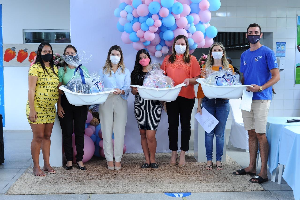 EM-MONTEIRO-PROGRAMA-CUIDADO-DE-MAE-ENTREGA-KITS-MATERNIDADES-AS-GESTANTES-ATENDIDAS-PELO-MUNICIPIO-3 Em Monteiro: Programa Cuidado de Mãe, entrega kits maternidades as gestantes atendidas pelo município