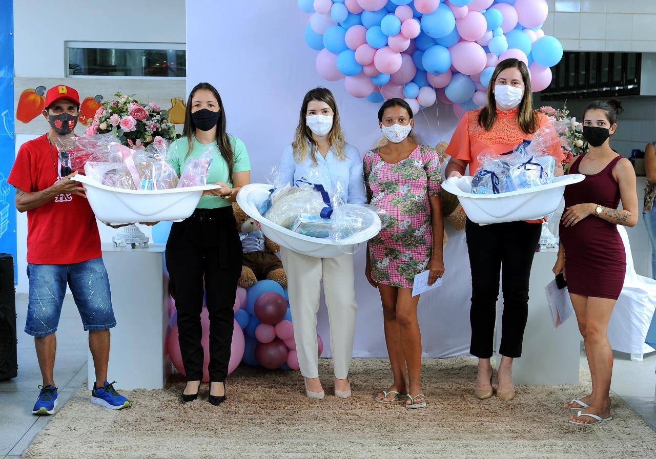 EM-MONTEIRO-PROGRAMA-CUIDADO-DE-MAE-ENTREGA-KITS-MATERNIDADES-AS-GESTANTES-ATENDIDAS-PELO-MUNICIPIO-4 Em Monteiro: Programa Cuidado de Mãe, entrega kits maternidades as gestantes atendidas pelo município