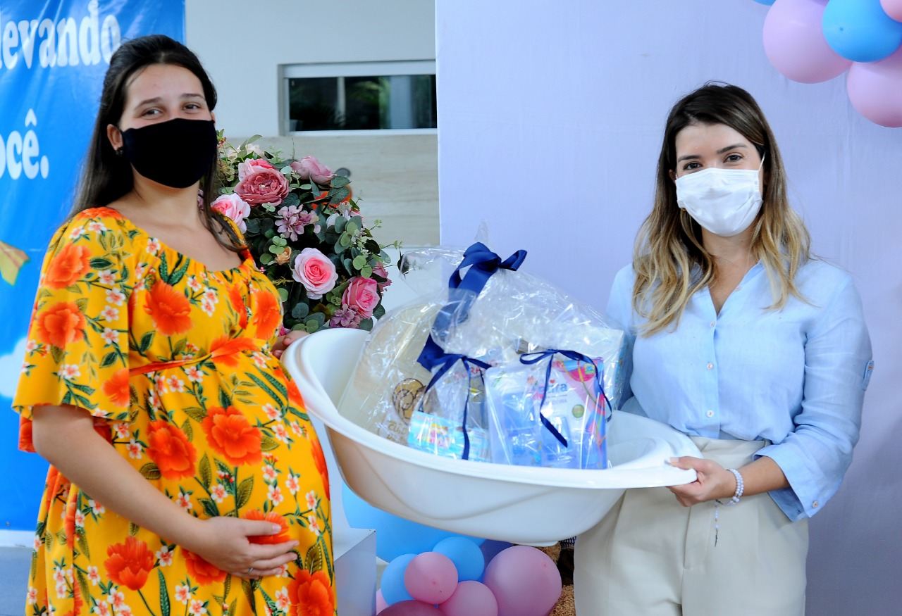 EM-MONTEIRO-PROGRAMA-CUIDADO-DE-MAE-ENTREGA-KITS-MATERNIDADES-AS-GESTANTES-ATENDIDAS-PELO-MUNICIPIO-5 Em Monteiro: Programa Cuidado de Mãe, entrega kits maternidades as gestantes atendidas pelo município