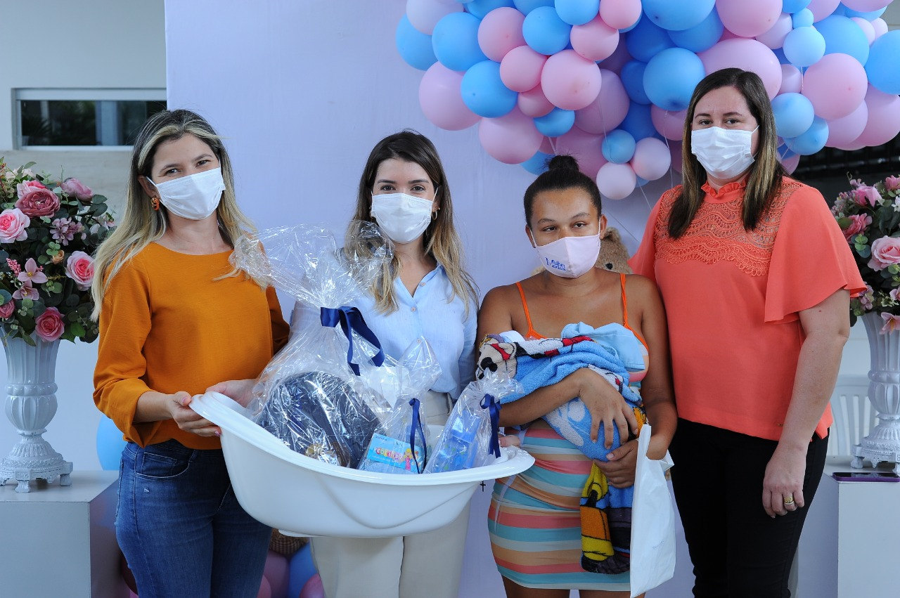 EM-MONTEIRO-PROGRAMA-CUIDADO-DE-MAE-ENTREGA-KITS-MATERNIDADES-AS-GESTANTES-ATENDIDAS-PELO-MUNICIPIO-6 Em Monteiro: Programa Cuidado de Mãe, entrega kits maternidades as gestantes atendidas pelo município