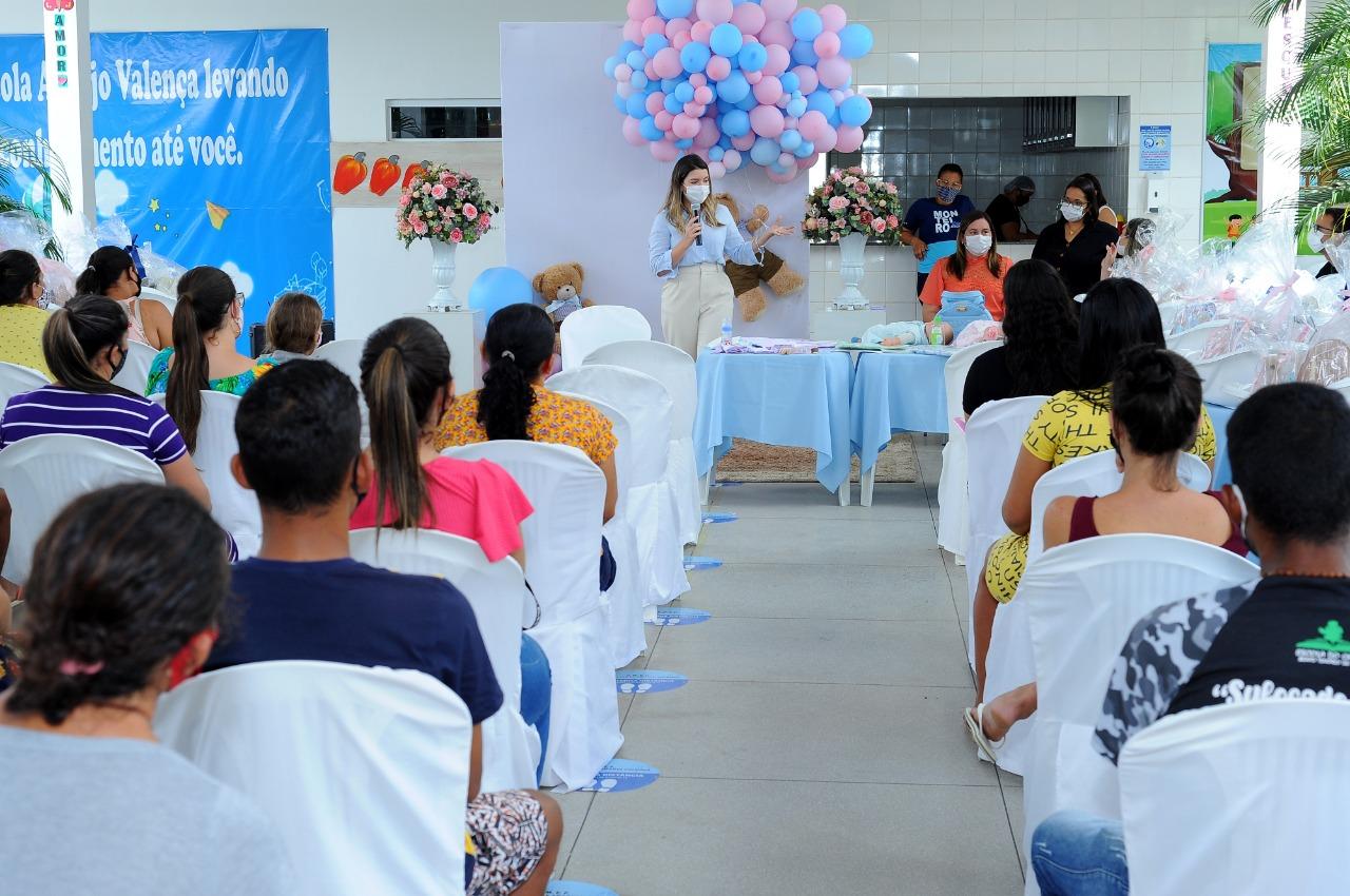 EM-MONTEIRO-PROGRAMA-CUIDADO-DE-MAE-ENTREGA-KITS-MATERNIDADES-AS-GESTANTES-ATENDIDAS-PELO-MUNICIPIO-9 Em Monteiro: Programa Cuidado de Mãe, entrega kits maternidades as gestantes atendidas pelo município