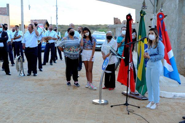 Entrega-pavimentacao-Mutirao-1-602x400 Prefeita Anna Lorena realiza entrega de obra de pavimentação no bairro Mutirão