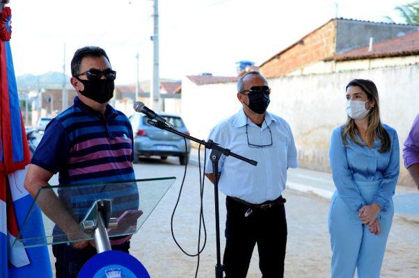 Entrega-pavimentacao-Mutirao-10-602x400 Prefeita Anna Lorena realiza entrega de obra de pavimentação no bairro Mutirão