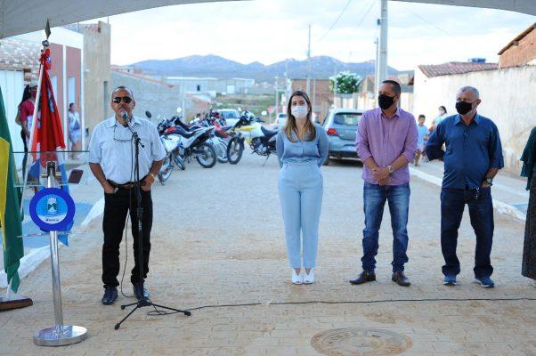 Entrega-pavimentacao-Mutirao-6-602x400 Prefeita Anna Lorena realiza entrega de obra de pavimentação no bairro Mutirão
