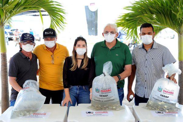 Peixamento-Monteiro-12-602x400 Monteiro recebe Programa de Peixamento de Açudes em parceria com SEDAP